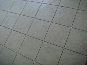 cleaning tile grout with H2O2